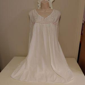 Oscar de la Renta 100% cotton nightie,